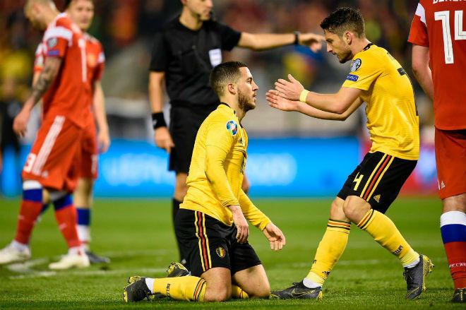 Bỉ – Nga: Courtois sai lầm ngớ ngẩn, Hazard rực sáng giải nguy