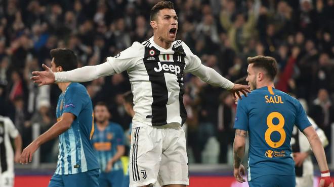 Bernadeschi: 'Điên mới phạt Ronaldo vì màn mừng bàn thắng'