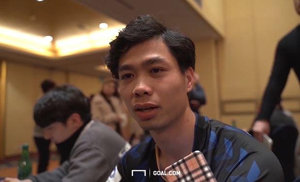 Công Phượng: 'Cầu thủ Hàn Quốc tập xong thì có nhà, có xe để đi về'