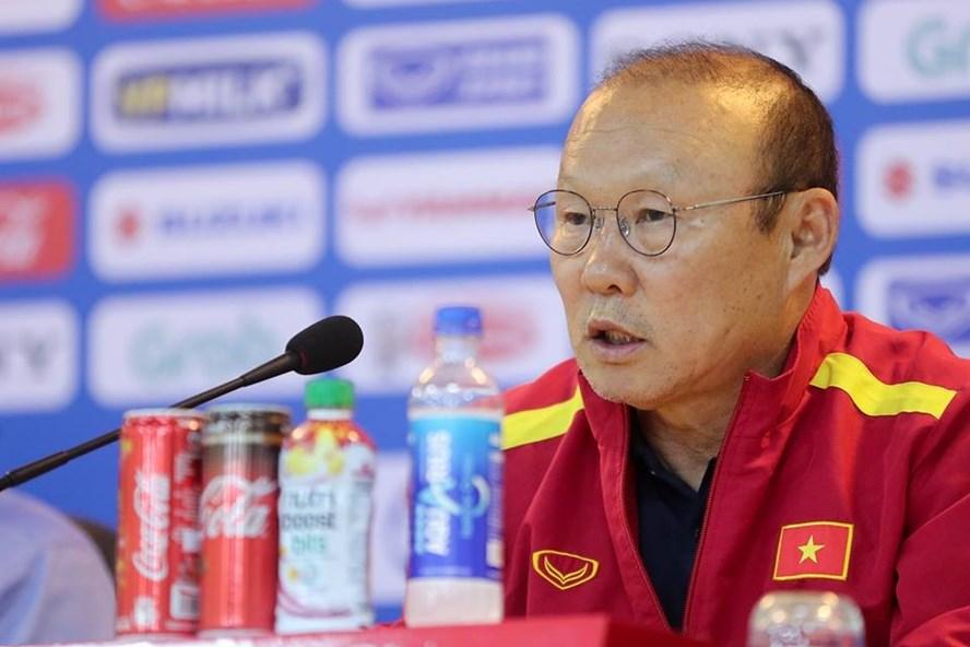 HLV Park Hang-seo: 'Đừng đỗ lỗi cho Đức Chinh, V.League mới có vấn đề'