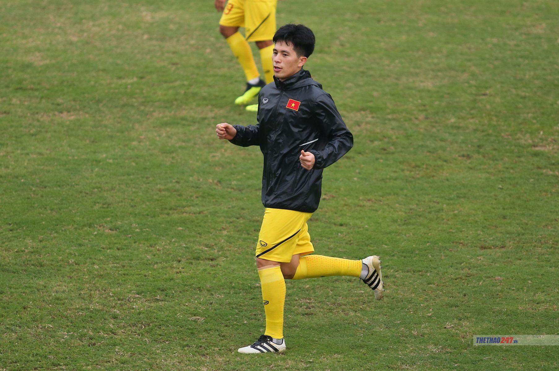 Thầy Park 'mất tích', U23 Việt Nam vẫn vui vẻ tập 'chay'