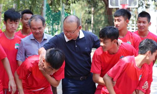 U23 Thái Lan chốt đội hình khủng sang Việt Nam