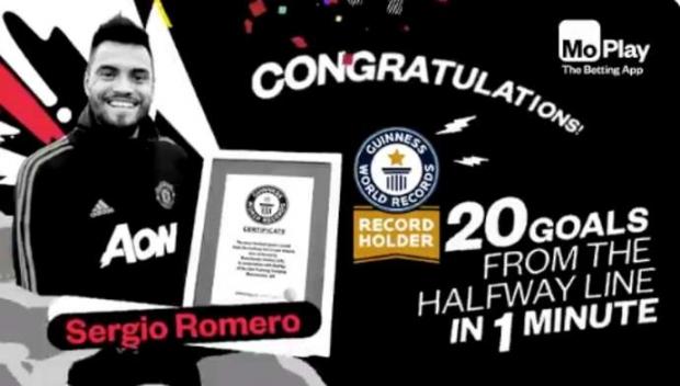 Thủ môn MU lập kỷ lục Guinness thế giới