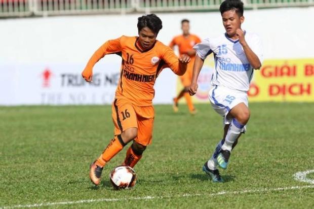 'Tiểu Công Phượng' tiết lộ thần tượng Quang Hải và Messi