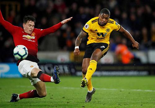 Man Utd thua ngược, thất thế trong cuộc đua top 4