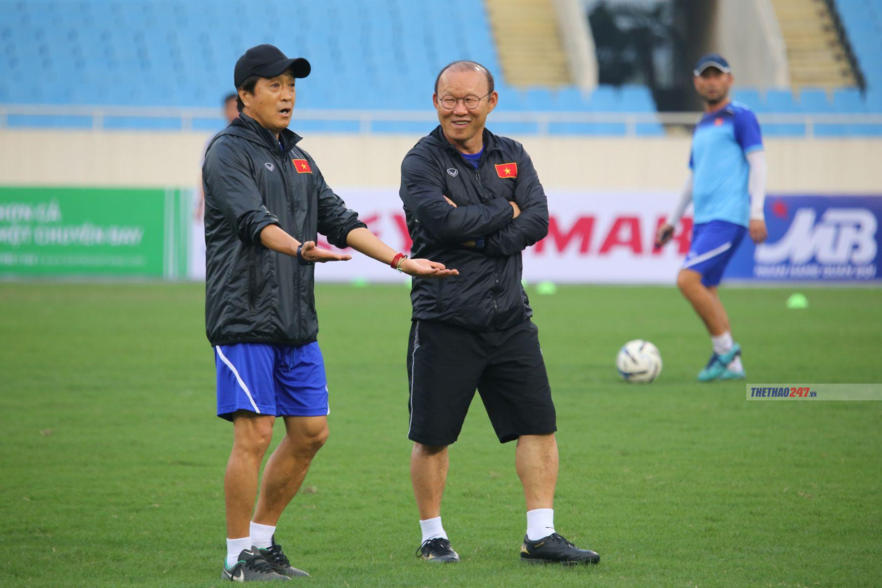HLV Park Hang-seo muốn tuyển thêm trợ lý để chuẩn bị cho King's Cup