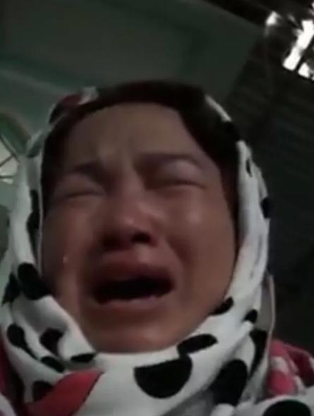 Vụ cô gái giao gà: Màn kịch giả dối của người mẹ và 7.000 tờ rơi tìm nạn nhân