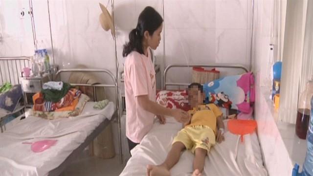 Đắk Lắk: Chuyển giới bé trai thành bé gái bởi 'giời hành' vì lạ thường 'chỗ ấy'