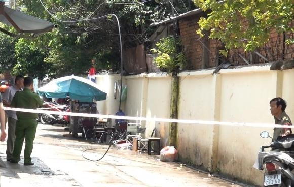Sài Gòn: Đang uống cafe bị dây điện rơi trúng đầu tử vong