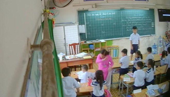 Vụ cô giáo kéo tai, đánh học sinh: Hội phụ huynh bàn cách đặt lén camera lấy bằng chứng