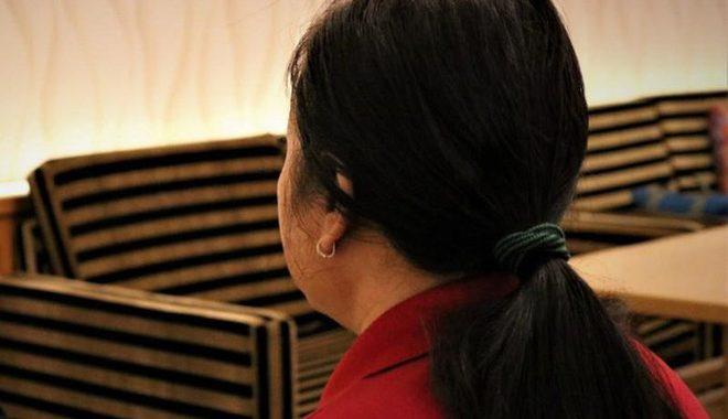 Cô giáo lên tiếng trần tình khi bị phụ huynh phát hiện đang véo tai, tát học sinh