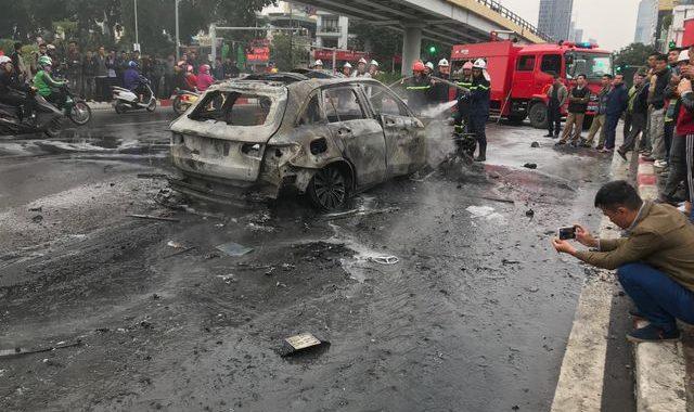 Lời kể bất ngờ của nữ sinh thoát chết trong vụ xe Mercedes gây tai nạn kinh hoàng